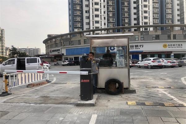 徐州锦绣年华停车场选择徐州圣杰科技有限公司车牌识别系统产品